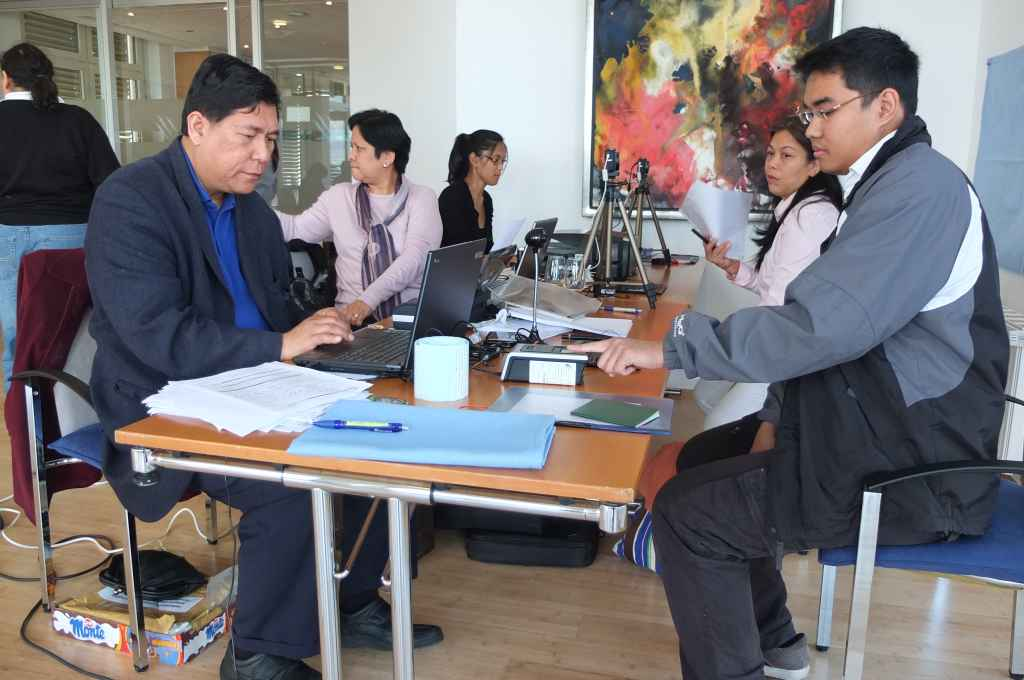 PHL Embassy conducts OAV Mobile Outreach in Essen