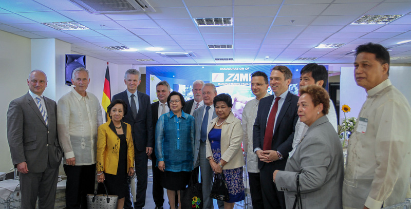 Ambassador Melita Sta.Maria-Thomeczek with former Ambassador to Germany, Delia Albert (3rd from left), German Ambassador to the Philippines, Thomas Ossowski (5th from right) , PEZA's Director General, Lilia de Lima(6th from right) , Dr.Nikolas Stihl , Chairman and other Officials of STIHL advisory and supervisory boards during the Inauguration at Sto. Tomas, Batangas.