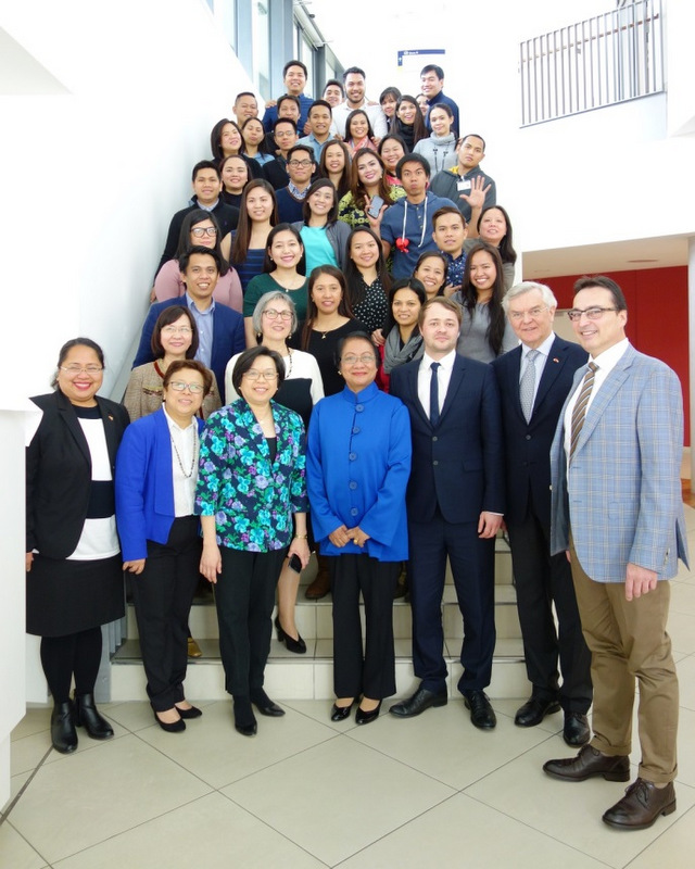 Secretary Baldoz and Ambassador Thomeczek with officials of the POEA, the Philippine Honorary Consulate General in Stuttgart, the University Hospital Tübingen, International Placement Services (ZAV), and the Filipino Triple Win Project nurses from Tübingen, Freiburg, Munich, and Frankfurt.