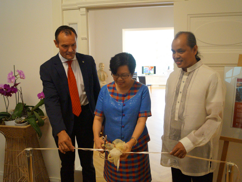 Ambassador Melita Sta. Maria-Thomeczek (Middle) formally opens the vernissage with Klaus Hartung, Owner and President of Transwing Art Gallery, Inc (left) and artist Arnel Garcia (right)