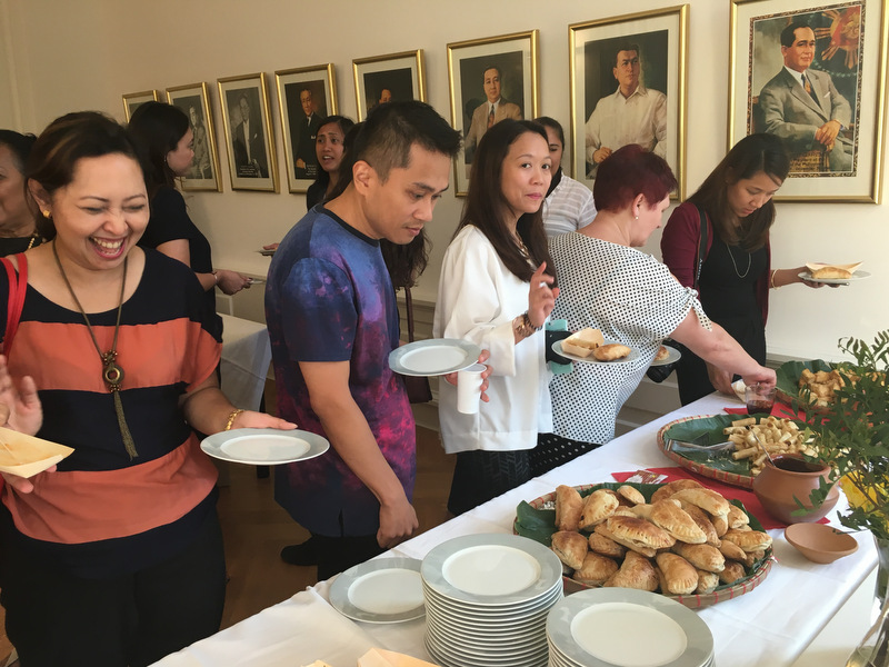 Filipino merienda was served for over 50 Filipinos and Germans attending the vernissage