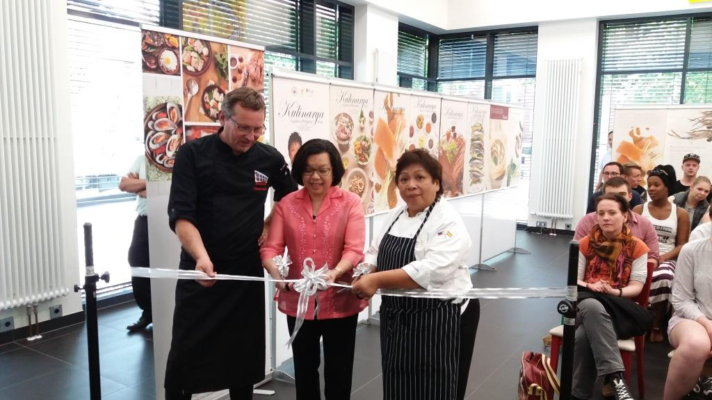 Ambassador Thomeczek (center) opens Kulinarya exhibit with Mr. Ctefan Wohlfeil of Hotelfachschule Hamburg and Ms. Segismundo.