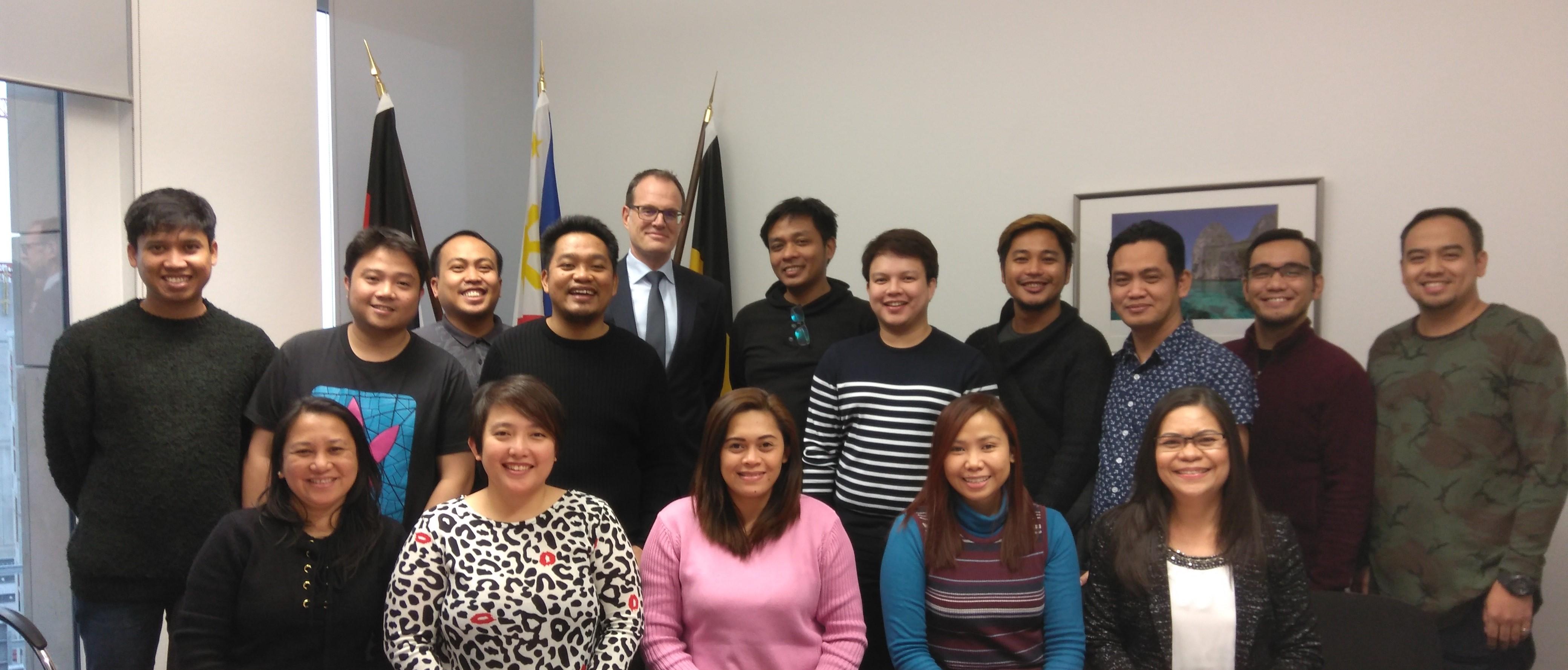 """PHL HONORARY CONSULATE IN STUTTGART WELCOMES 14  NEW """"TRIPLE WIN"""" FILIPINO NURSES"""