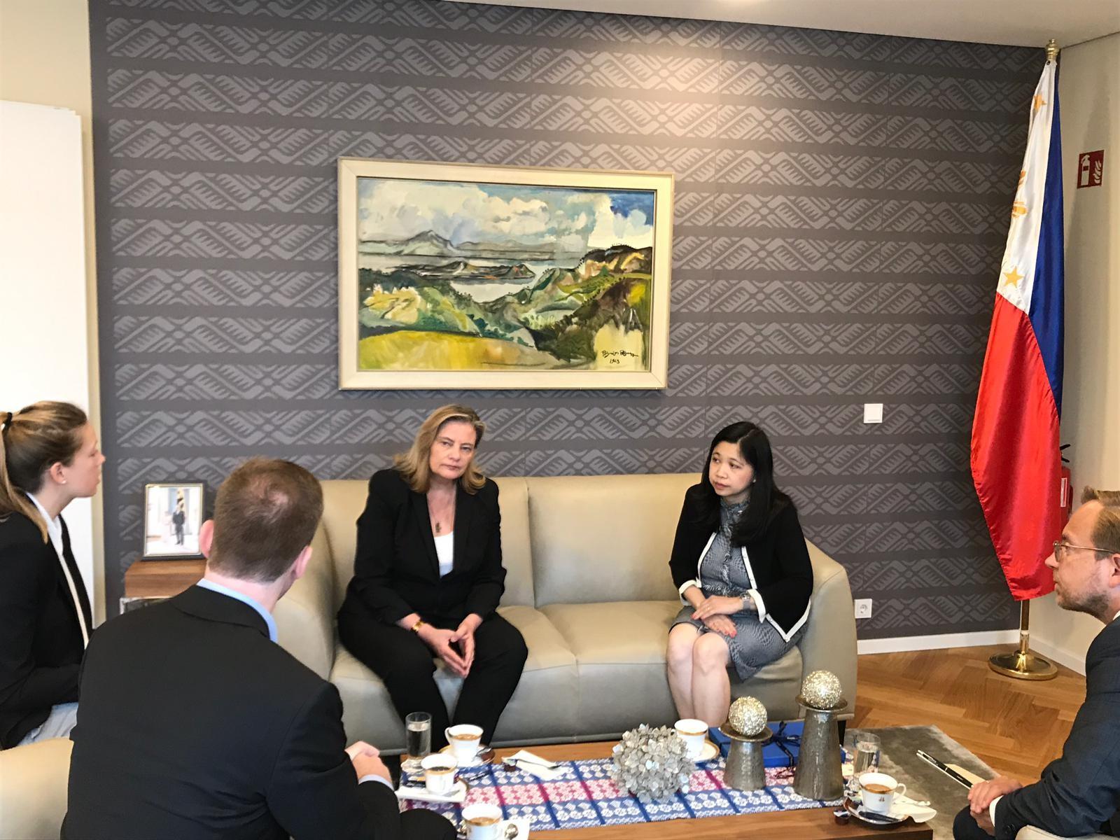 German Parliamentarian Visits New Philippine Embassy in Berlin